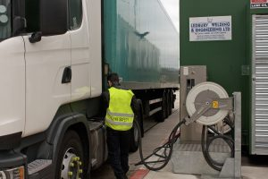 EuroCarparts - Man filling up - one lorry